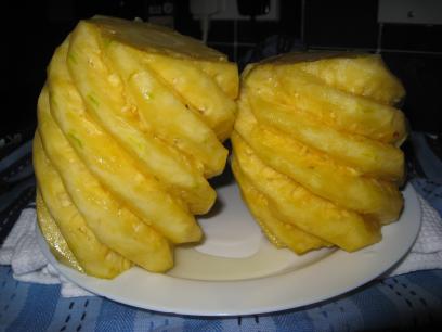 pineapples-eyes-all-cut