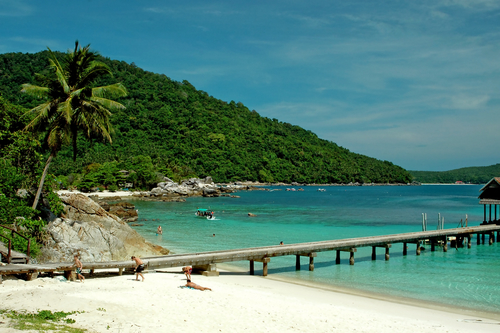 beach-and-pier-on-perhentian-island-mal892