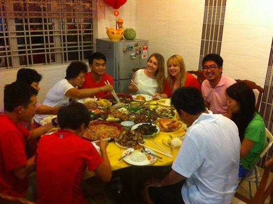 Przy rodzinnym stole w Malezji nie ma dyskusji politycznych i narzekania. Jest za to dużo pysznego jedzenia!