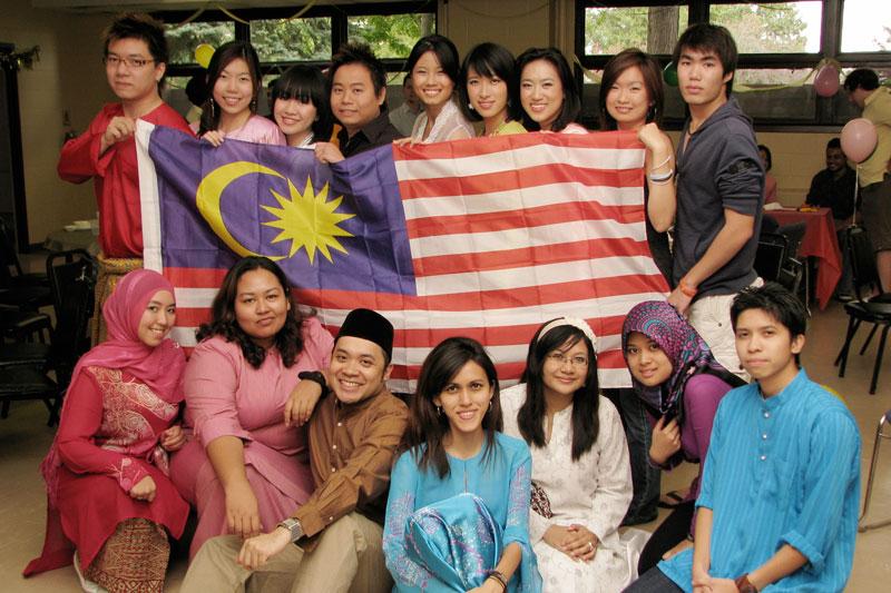 Malezyjczycy - różne rasy, jedna nacja.