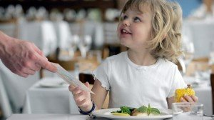300x168x446096-dining-out-with-kids-300x168.jpg.pagespeed.ic.egRMT18pn0