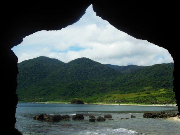 Widok ze skałek niedaleko Blue Lagoon