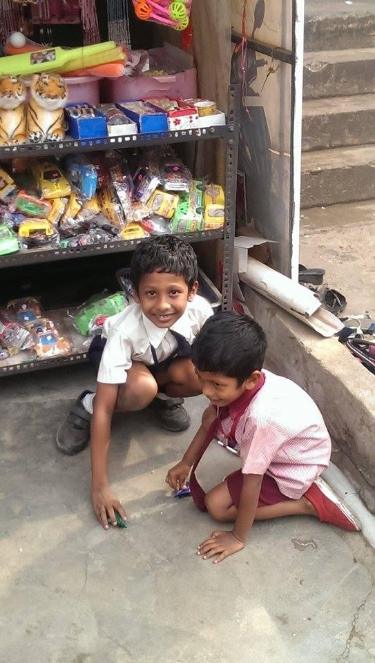 Dzieciaki na ulicy w Trivandrum
