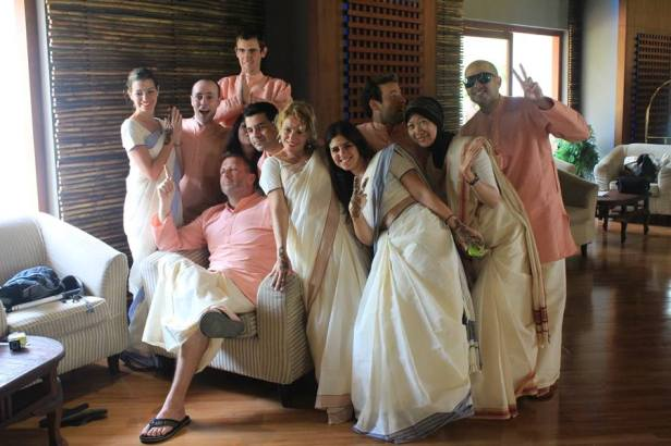 Reprezentacja keralskich sari i mundu
