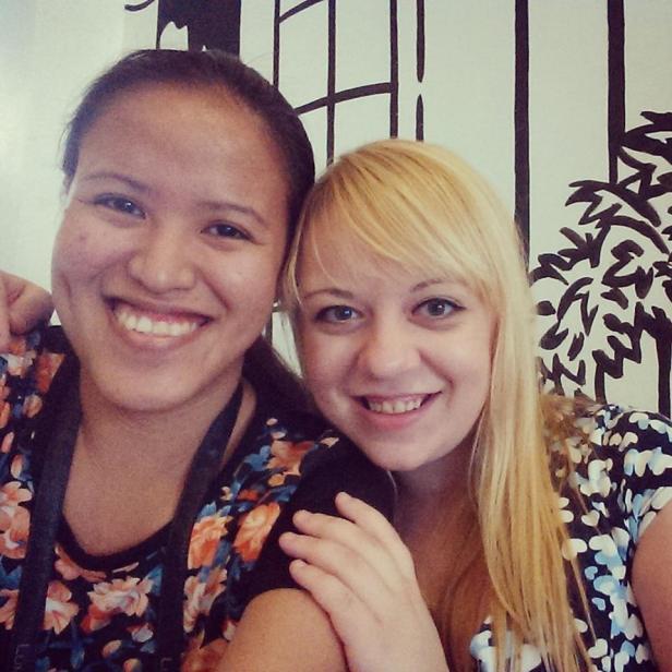 Moja kumpela i przewodniczka po jedzeniu w Manili - Micaela :)