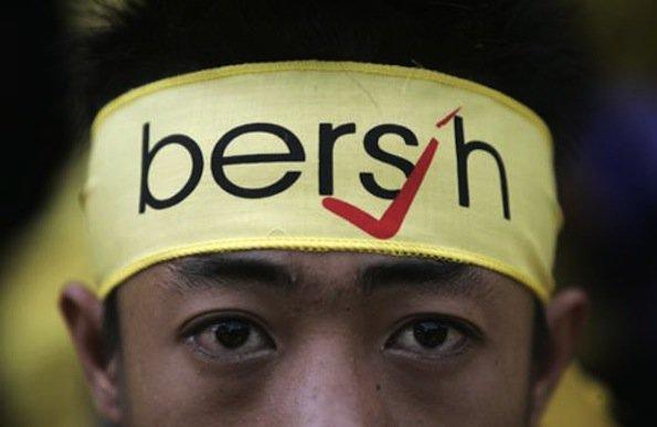 Malezyjczyk w ruchu Bersih, podczas protestu w 2012 roku