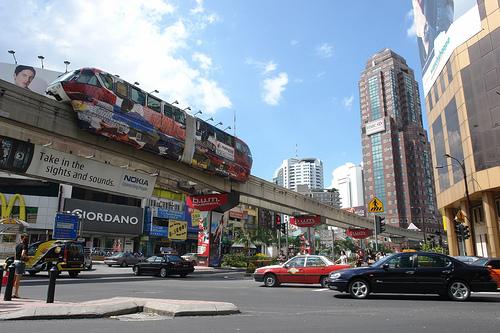 Monorail w Bukit Bintang, w centrum Kuala Lumpur.