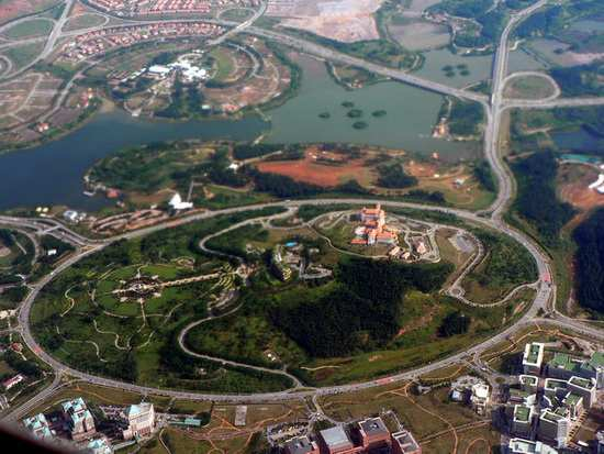 putrajaya-roundabout-largest-compressed