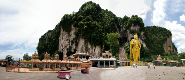 Panorama Batu Caves (źr. http://www.selliyal.com )